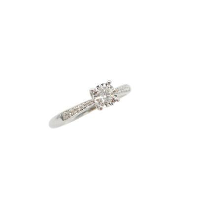 幸福光芒18K金镶嵌天然钻石戒指女白金时尚四爪简约轻奢