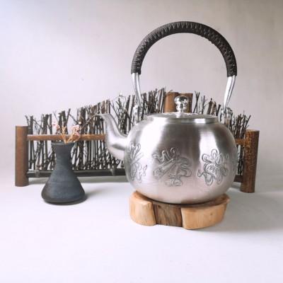 足银本色茶具**-八宝提梁壶