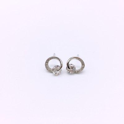 石之魅S925银电白合成立方氧化锆耳饰