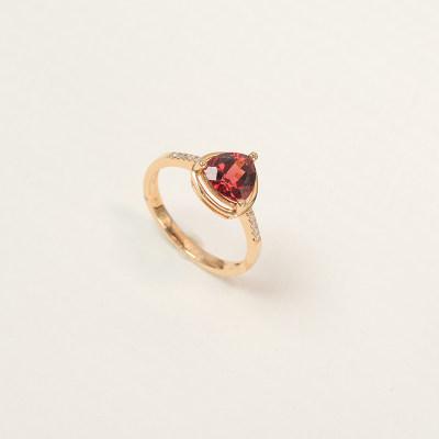 幸福石榴 18K金戒指 玫瑰色彩宝镶嵌戒指