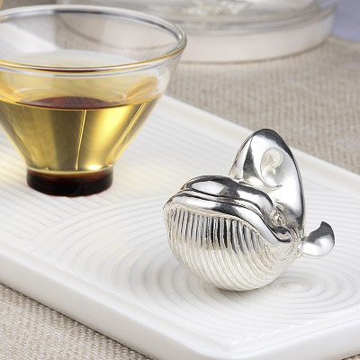 天裕宝福足银本色茶具-鲸吞四海
