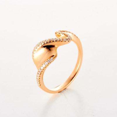 幸福艺术家 18K金玫瑰色钻石戒指AU750玫瑰金戒指扭转冷淡风简约韩版指环镶钻戒指