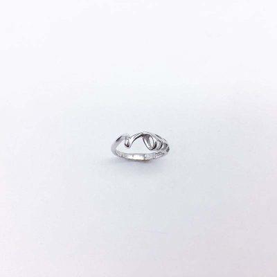 想起S925银电白素银戒指